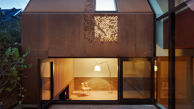Piercy-And-Company-gets-RIBA-Award-for-Kew-House (c) Jack Hobhouse.jpg