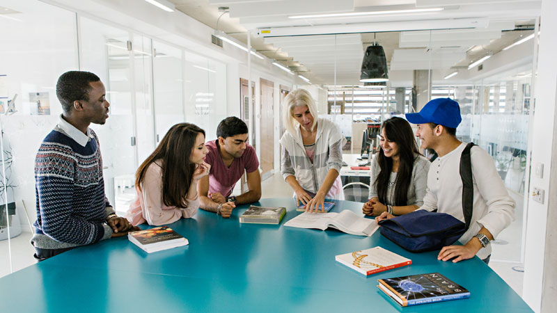 Psychology-students-learn-in-the-redeveloped-Department-of-Psychology-at-the-University-of-Westminster