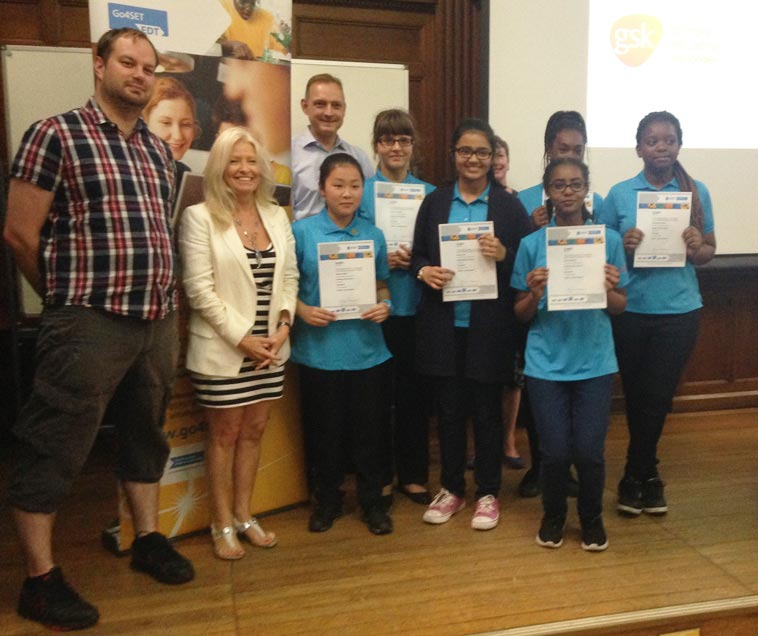 The-Pupils-Choice-prize-for-Reading-Girls-Little-Einsteins-team