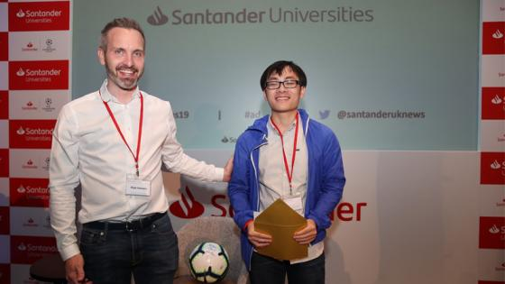 Director_of_Santander_Universities_with_student