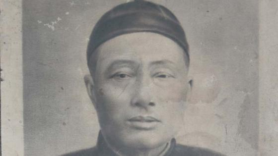 Old photo pf a Chinese doctor